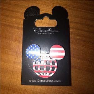 DIsney Epcot American Flag Pin